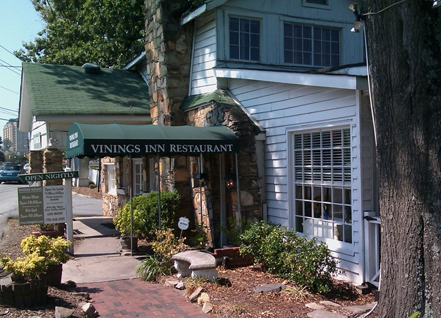 The Vinings Inn Is A Rich Piece Of Atlanta History With Tradition Fine Dining And Garnering Such Retion Meant We Were Just Dying To Try It Out