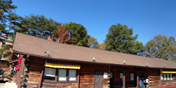 J.R.'s Log House, Norcross, Gwinnett (Source: Google Maps)