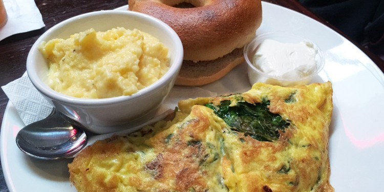 Bacon, Mushroom & Spinach Omelet served with grits and bagel, Front Page News, Midtown, Atlanta