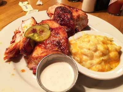 Smoked Chicken served with Mac & Cheese