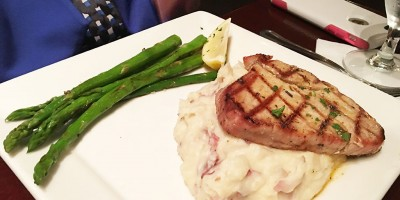 Ahi Steak served garlic mashed potatoes and grilled asparagus, Gordon Biersch, Midtown Atlanta